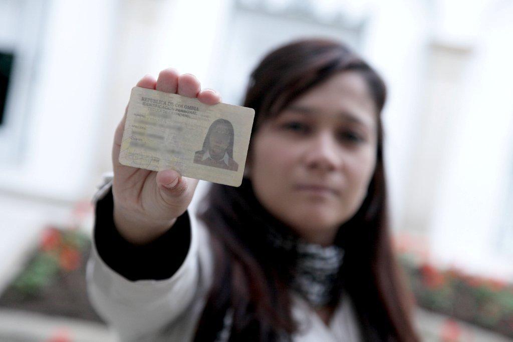 Apostilla colombia apostilla de documentos oficiales en for Oficinas dhl peru